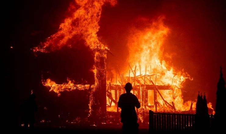Four Luxury Villas Destroyed in Fires in California